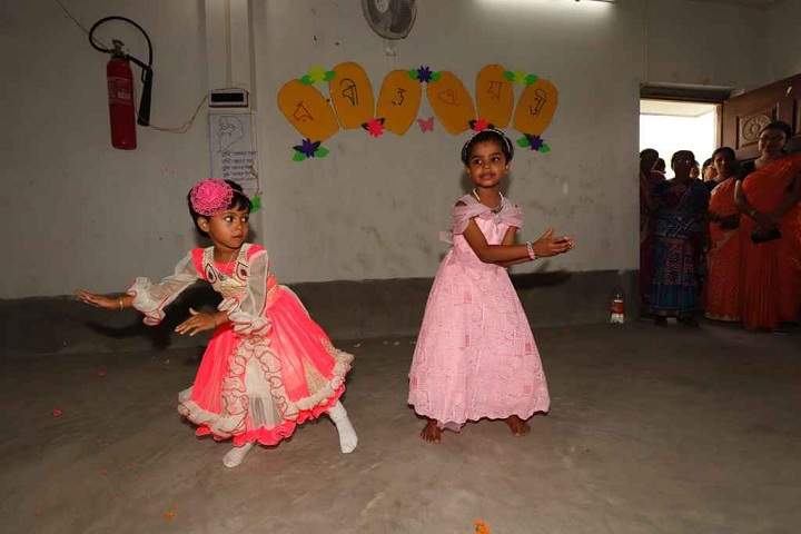 Burdwan Holy Child School-Nursery students dances