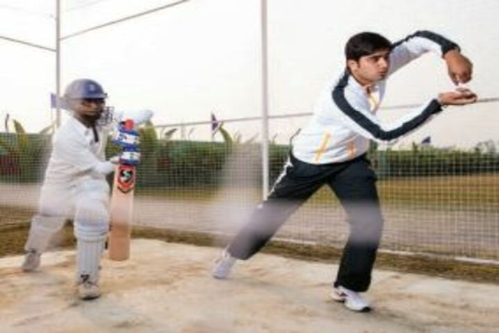 G E M S Akademia International School-Cricket