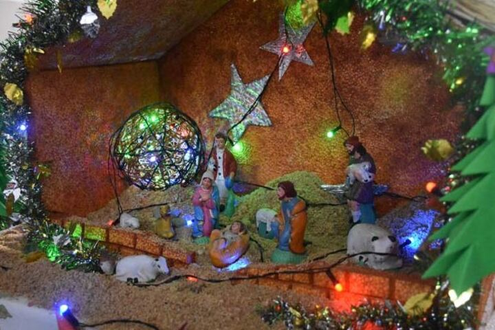 St JosephS School-Christmas Decoration""