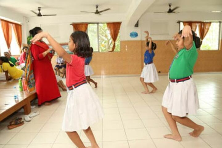 Childrens Foundation School-Dance