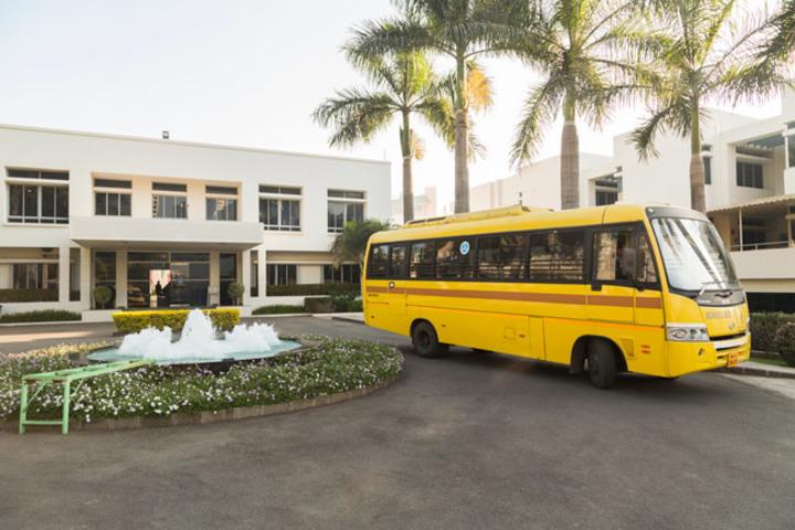 Mahindra International School-School Bus