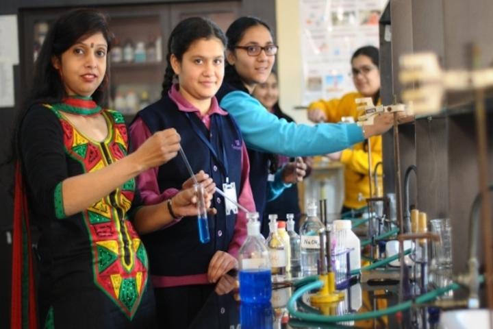 Cambridge International Foundation School-Chemistry Lab