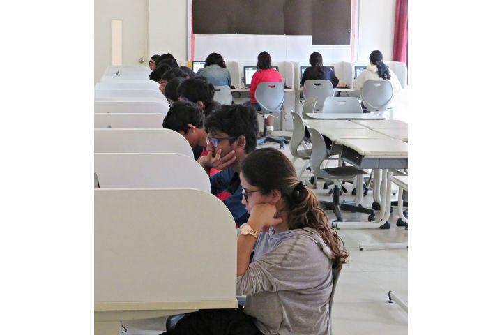 Candor International School-Lab