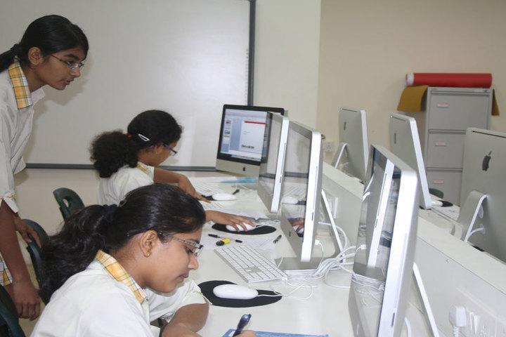 Ecole Mondiale World School - Computer Lab