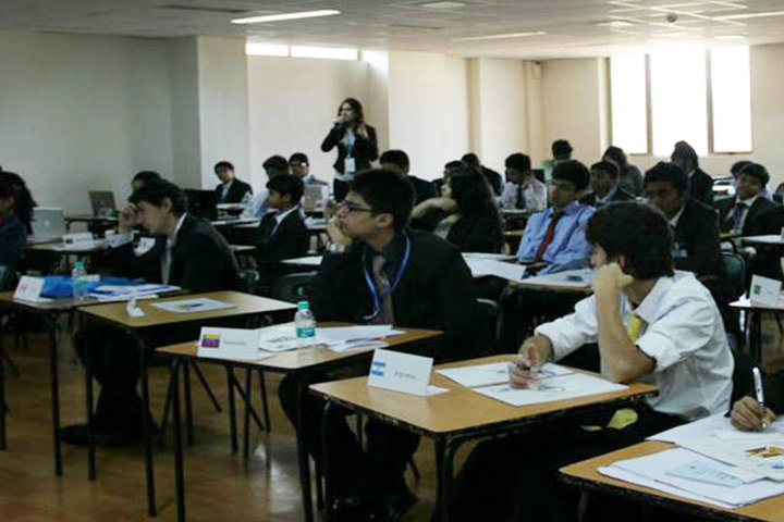 Ecole Mondiale World School - Classroom View