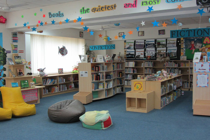 Ecole Mondiale World School - Library