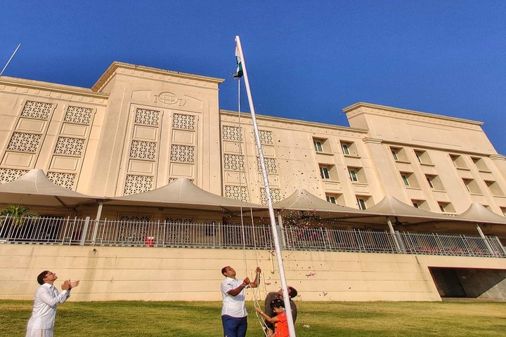 Hiranandani Upscale School-Flag Hoist