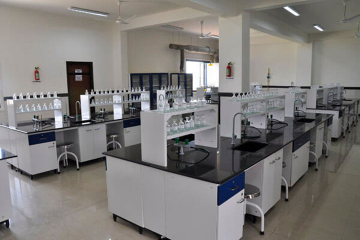 Jayshree Periwal International School-Chemistry Lab