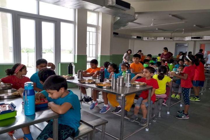 KC High-Cafeteria