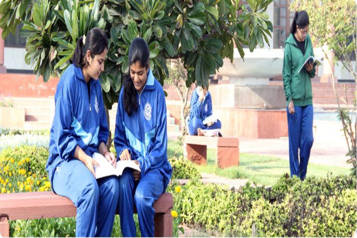 Mody School-Lets study