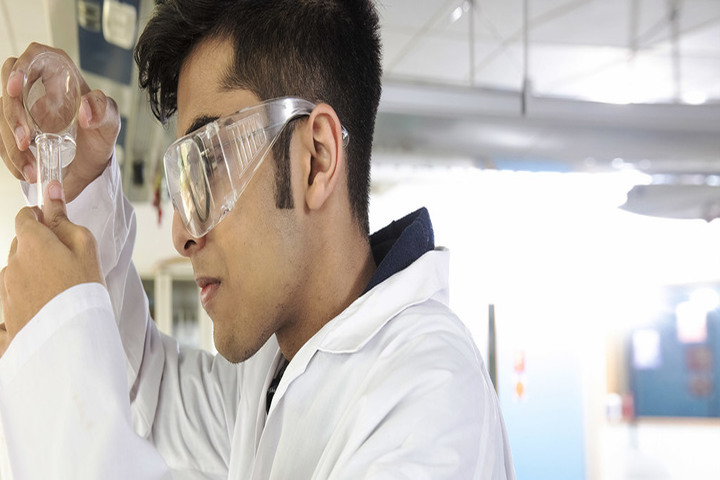 Oberoi International School-Chemistry Lab