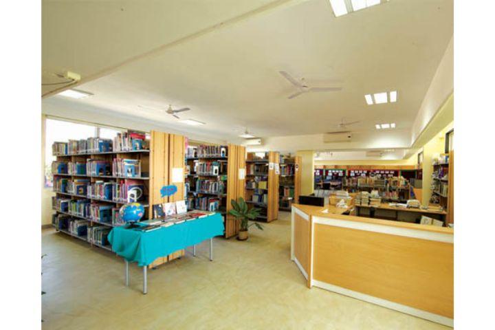 Stonehill International School-Library