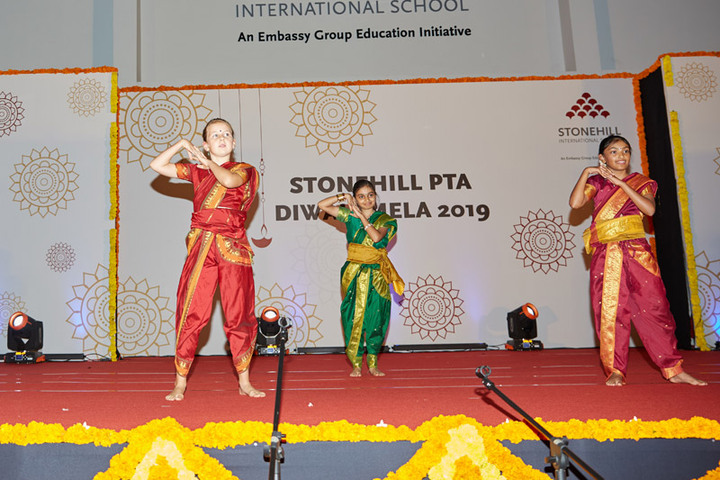 Stonehill International School-Dance