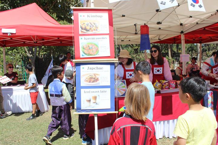 Stonehill International School-Food Festival