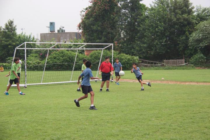 The Shri Ram School-Football Game
