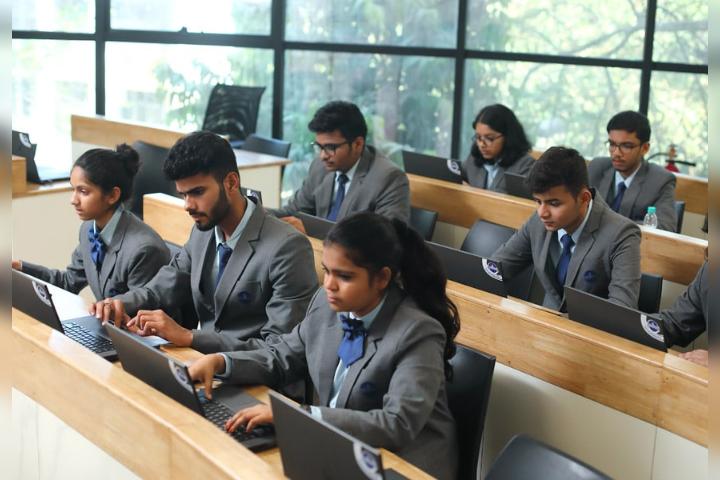 The Universal School, Ghatkopar - Computer Lab