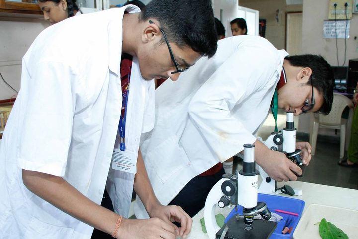 Veer Bhagat Singh International School-Science lab
