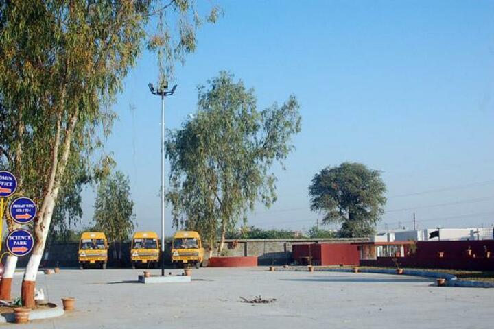 BAPS Swaminarayan Vidyamandir-Transportation