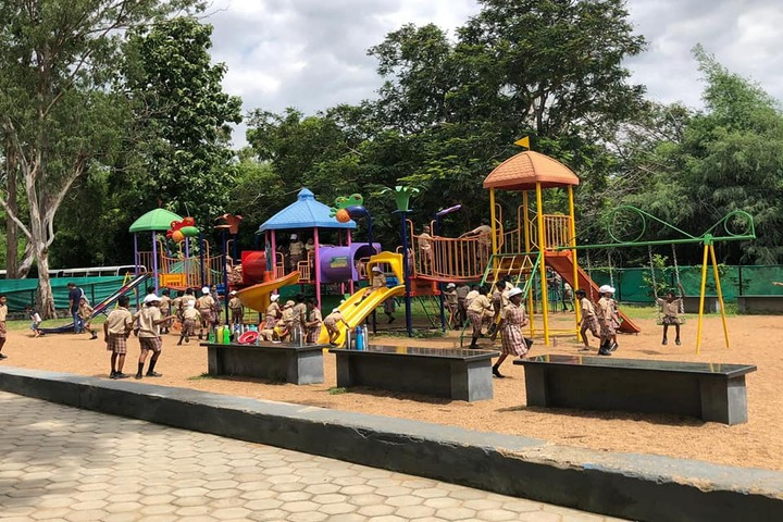 Kaligi Ranganathan Montford Matric Heigher Secondary School-Picnic