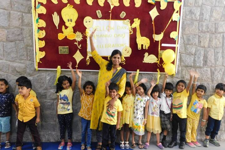 AVN Vida International School-Yellow Day