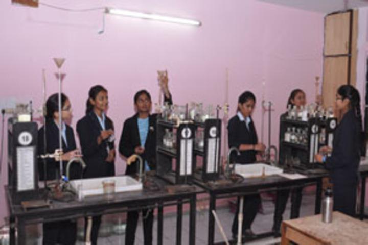 Infocity Junior Science College-Lab