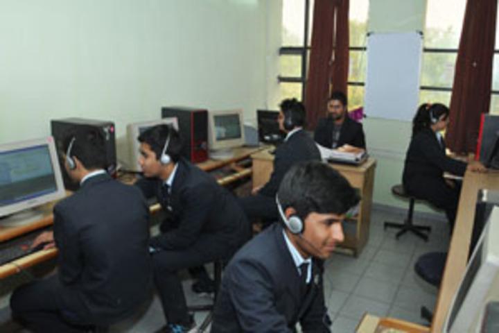 Infocity Junior Science College-Language Lab