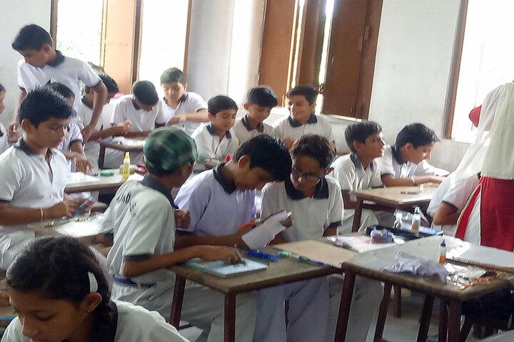 Diamond Academy-Classroom Activity