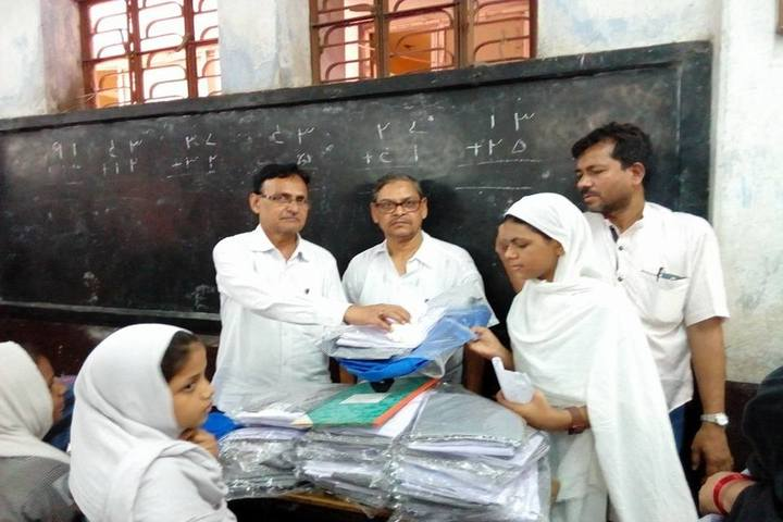 Howrah High School-Distribution