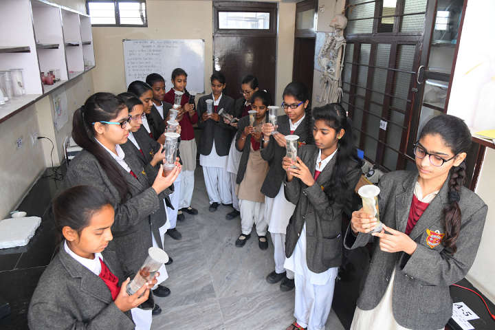 Dhruva Bal Niketan Senior Secondary School-Biology Lab