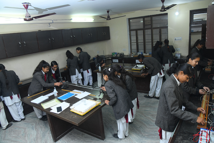 Dhruva Bal Niketan Senior Secondary School-Physics Lab