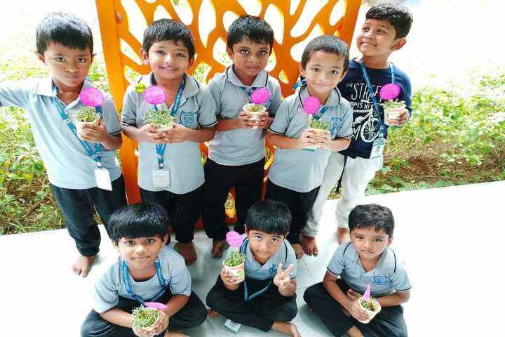 Crescent School-Plants Day