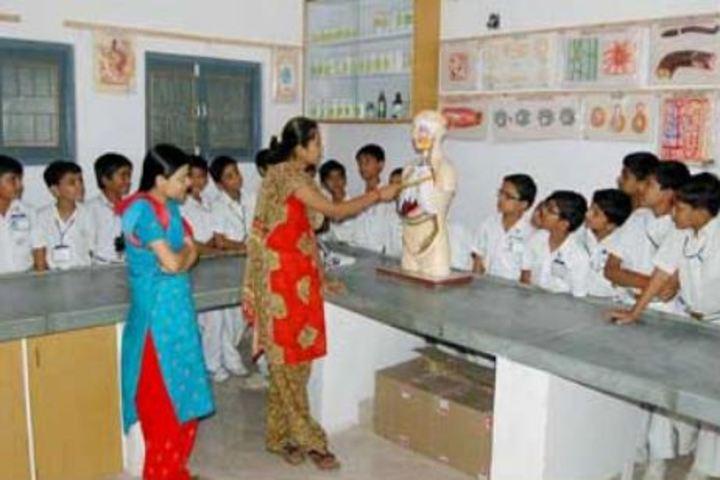 Bhavans Shri A K Doshi Vidyalaya High School-Biology Lab