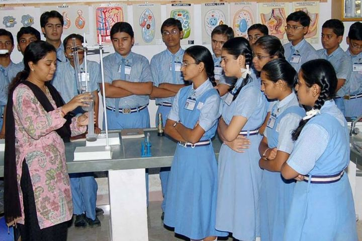 Bhavans Shri A K Doshi Vidyalaya High School-Chemistry Lab