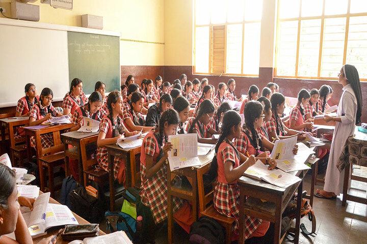 Avila Convent Matriculation Higher Secondary School-Class Room2
