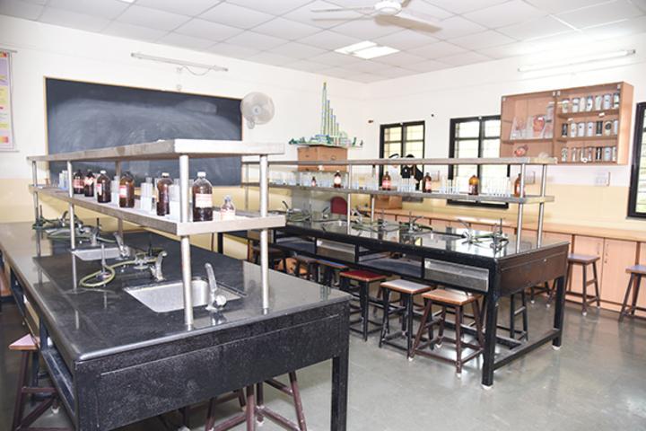 Dr Kalmadi Shamarao High School-Science Lab