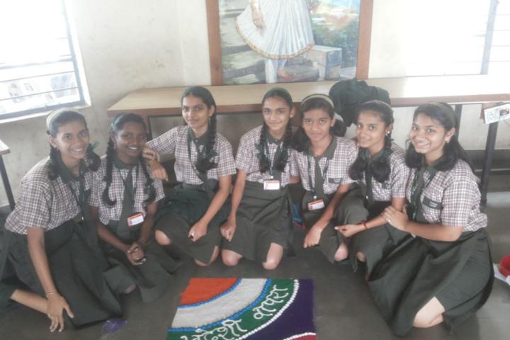 SPM English Medium School-Rangoli Compitition