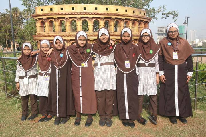 Iqra International School-School Picnic