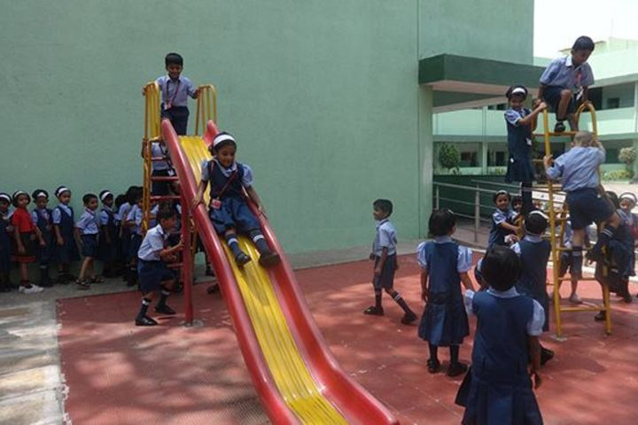 Vidya Niketan English Medium School-Kids Playground