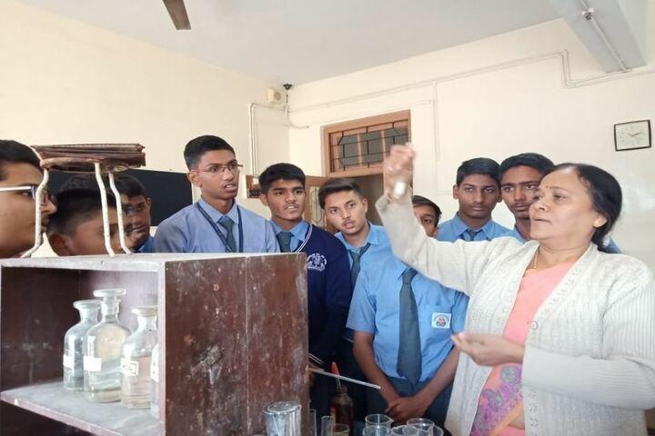 Wonderland English Medium School-Chemistry Lab