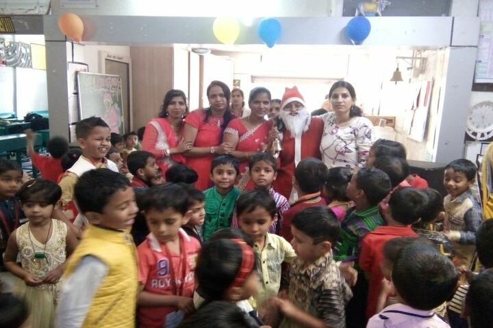 Wonderland English Medium School-Christmas Celebrations