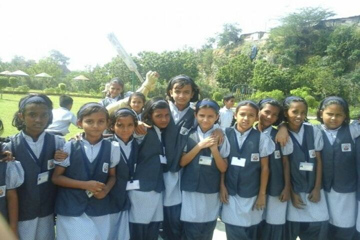 Wonderland English Medium School-Students