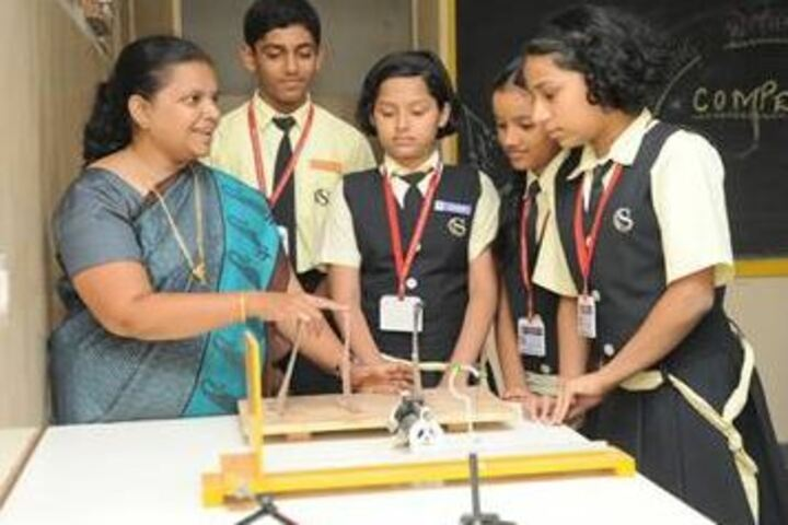 ZESs Silver Crest School-Physics Lab