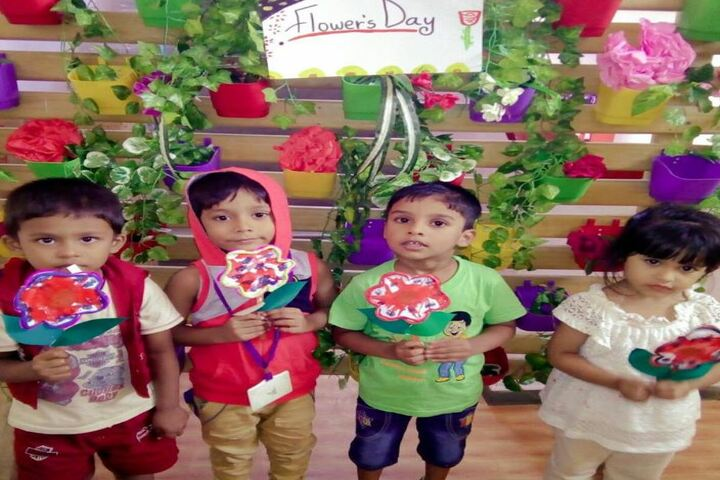 Belvedere Spring School-Flowers Day
