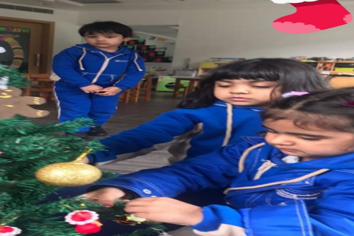 Kunskapsskolan International School-Christmas Tree Decoration