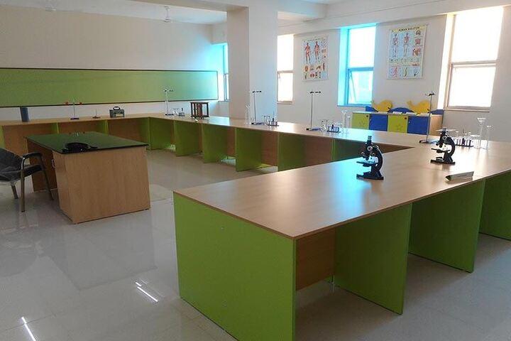 Bharati Vidyapeeth Rabindranath Tagore School of Excellence-Laboratory