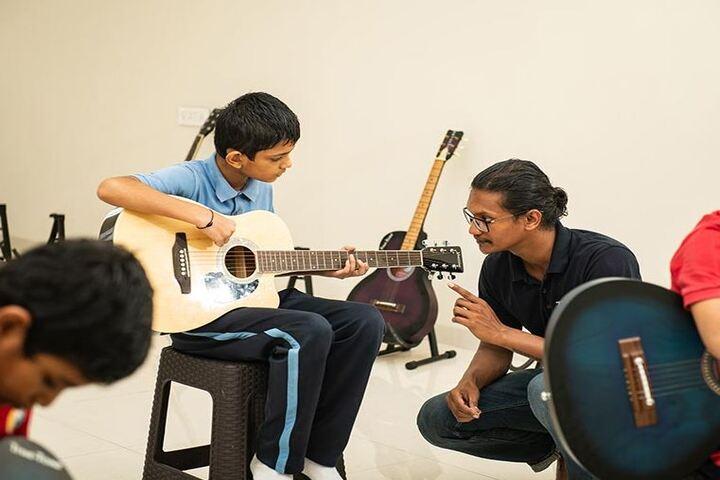 Bharati Vidyapeeth Rabindranath Tagore School of Excellence-Music Room