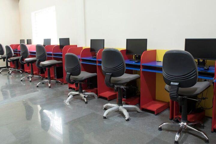 Shantiniketan International School-Computer Lab