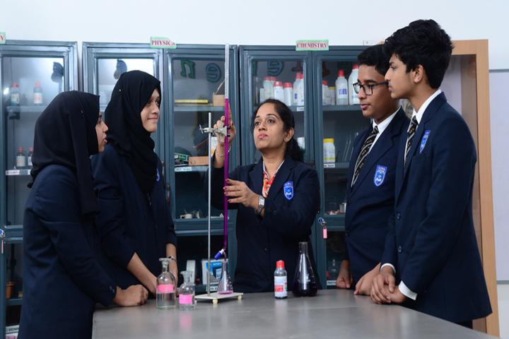 Global English School-Chemistry Lab