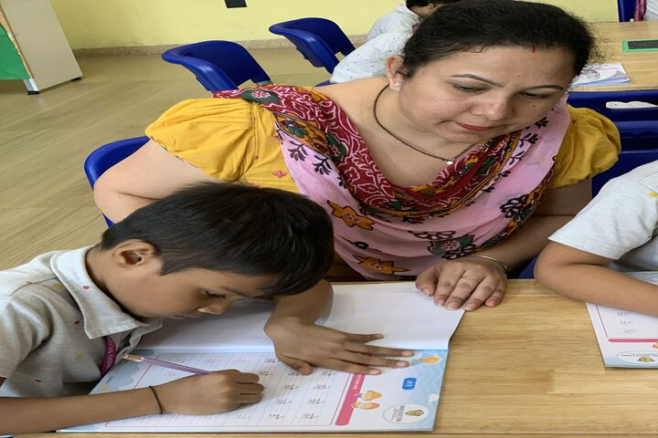 Indo Scottish Global School-Classroom