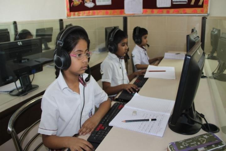 Meenakshi World School-Language Lab